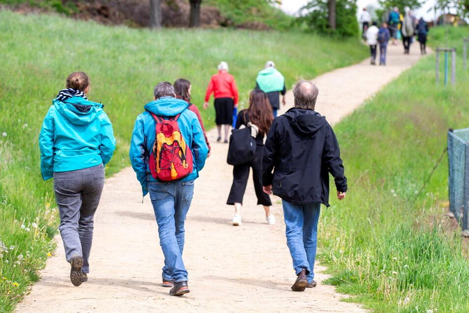 Bei Thürmsdorf waren in dieser Woche schon einige Wanderer unterwegs.