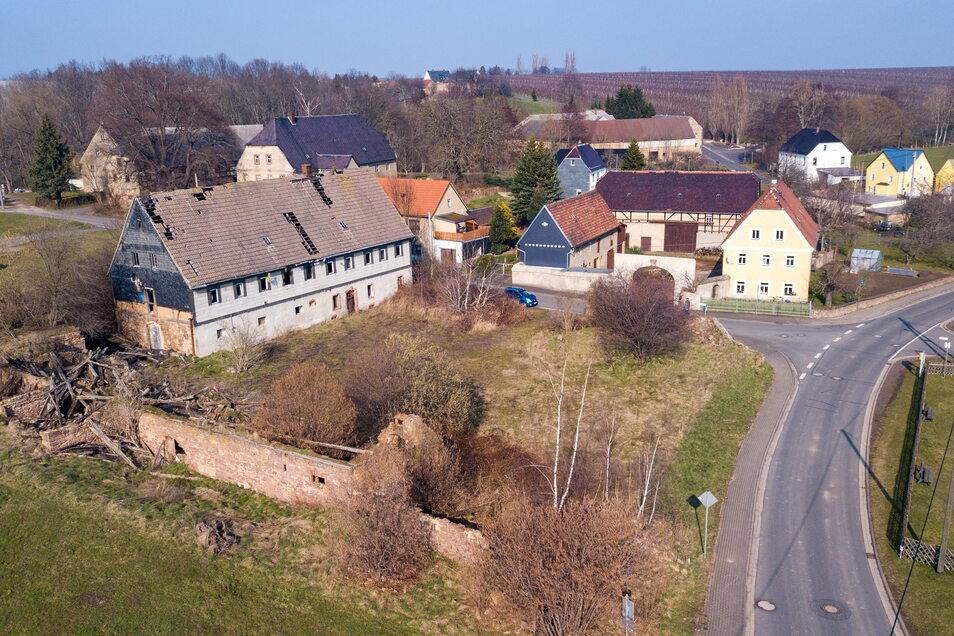 Seit mehr als zehn Jahren versucht die Stadt Leisnig, auf einem zentralen Grundstück im Ortsteil Meinitz für Ordnung zu sorgen. Mit einem erst jetzt möglichen Grundstückskauf könnte das gelingen.