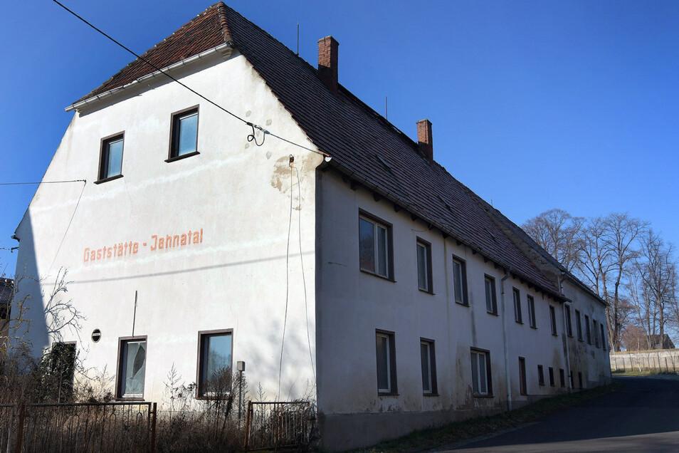 Die Gemeinde Ostrau kauft den alten Gasthof in Jahna.
