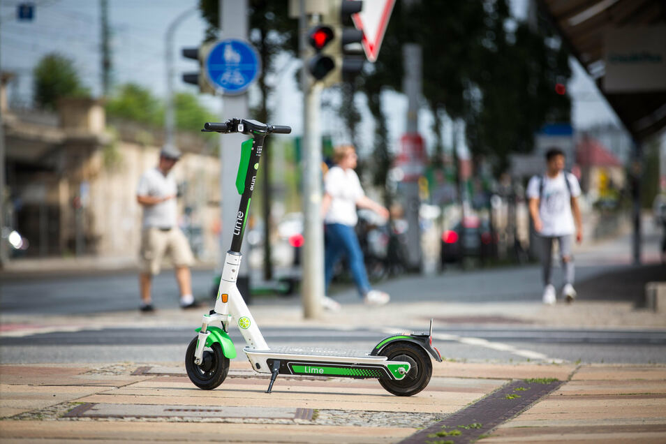 Lime bietet auch in Dresden die E-Tretroller zum Ausleihen an.