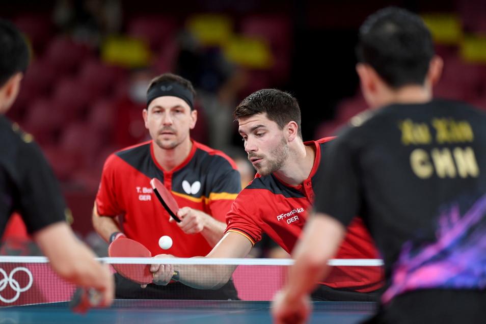 Timo Boll (links) und Patrick Franziska verloren zum Auftakt das Doppel gegen China, und auch die Einzel danach waren chancenlos.