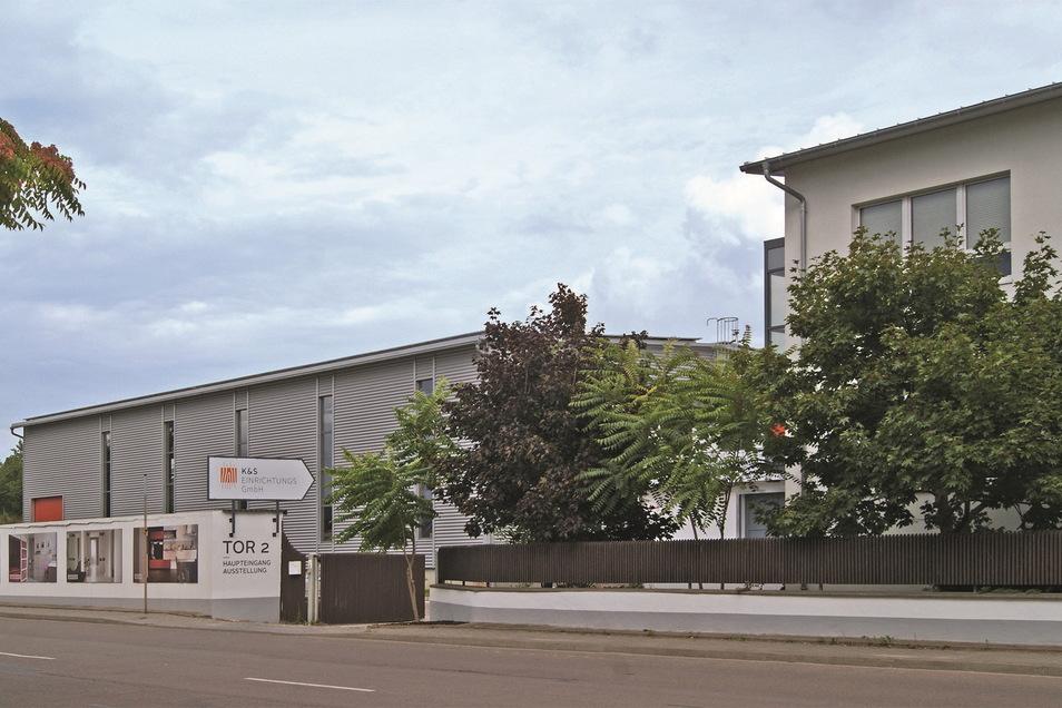 Der Firmenstandort der Möbeltischlerei an der Industriestraße 34 in Coswig.