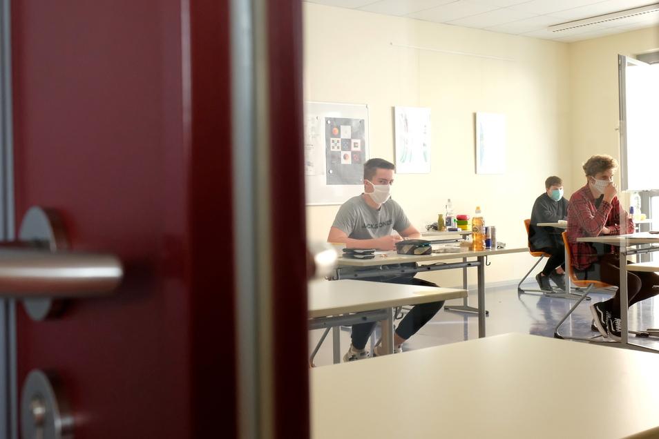 Die Corona-Fälle steigen im Landkreis Mittelsachsen wieder. Grund dafür sind auch vermehrte Tests in den Schulen.