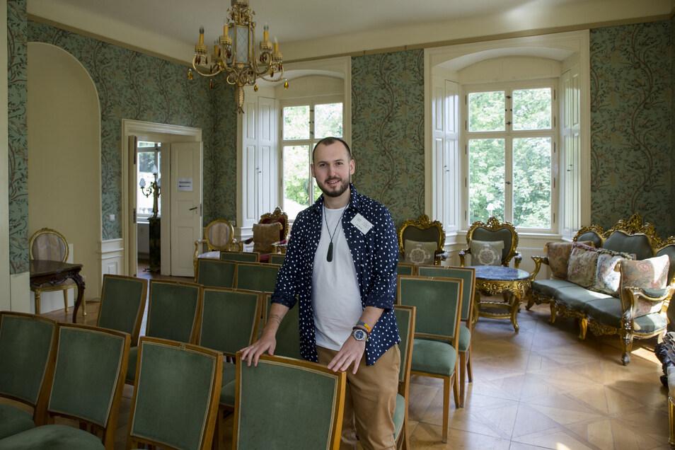 Eigentümer Jan Horsky präsentierte zum Tag des offenen Denkmals im Sommer 2019 Schloss Nöthnitz.