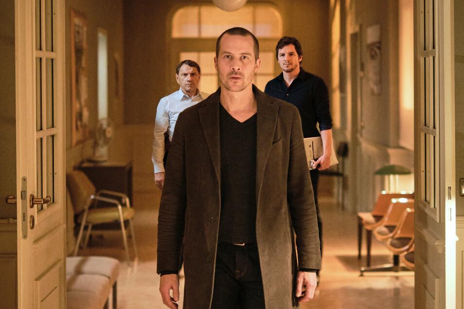 Oliver Manlik (Barnaby Metschurat) will sein früheres Leben zurück und versucht, die Kommissare Lannert (Richy Müller) und Bootz (Felix Klare) dafür zu instrumentalisieren.