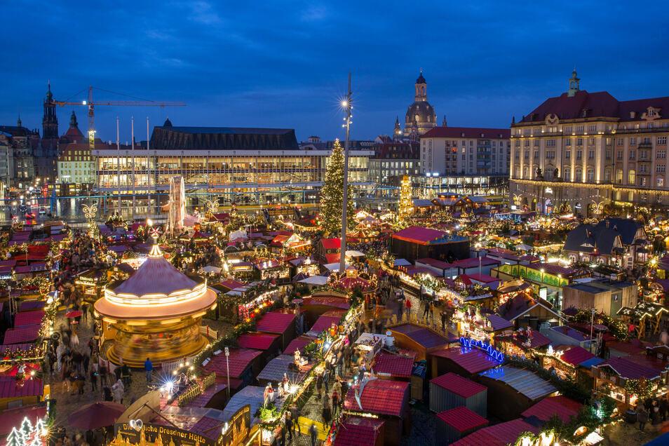 Der Striezelmarkt eröffnet in diesem Jahr bereits am 23. November.