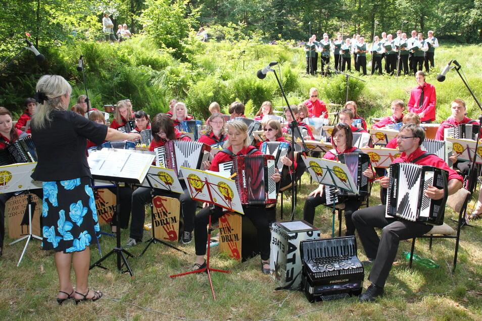Chöre und Instrumental-Ensembles traten in den vergangenen Jahren im Seifersdorfer Tal auf. Wie schon 2020 musste das Konzert auch in diesem Jahr abgesagt werden.