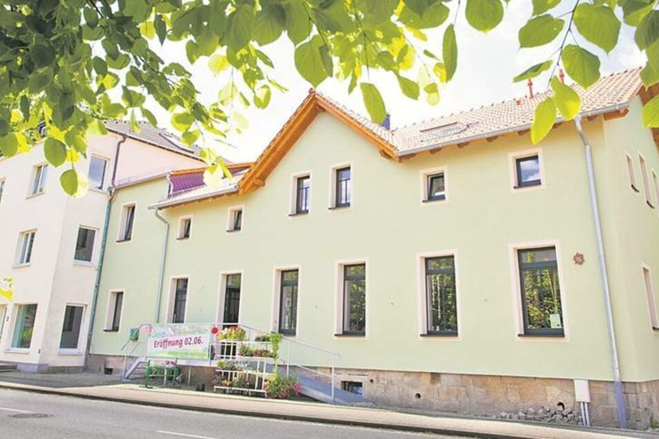 Das Gebäude des Leuchtenbaus ist heute nicht mehr wiederzuerkennen. Am 2. Juni wurde der Laden eröffnet.