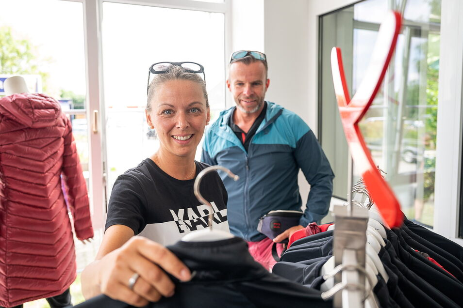 Diana und Marco Weiser leben berufsbedingt in Tunesien. Den Werksverkauf anlässlich der Eröffnung von Nordisk in Görlitz ließen sie sich nicht entgehen.
