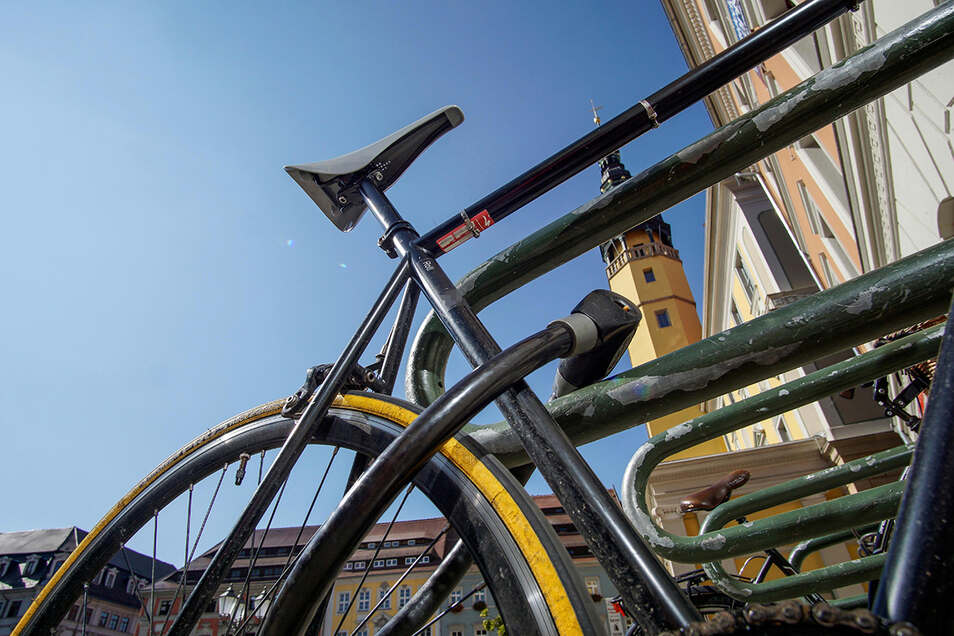 Die Polizei berät am Donnerstag in Bautzen, wie man sich unter anderem vor Fahrraddiebstahl schützen kann.