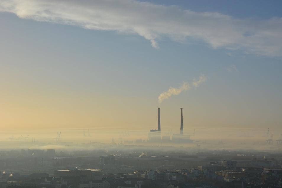 Smog-Bilder aus Asien kennt man. Das ist aber Europa: ein Bild aus Frankreich. Denn auch in Europa herrscht dicke Luft.