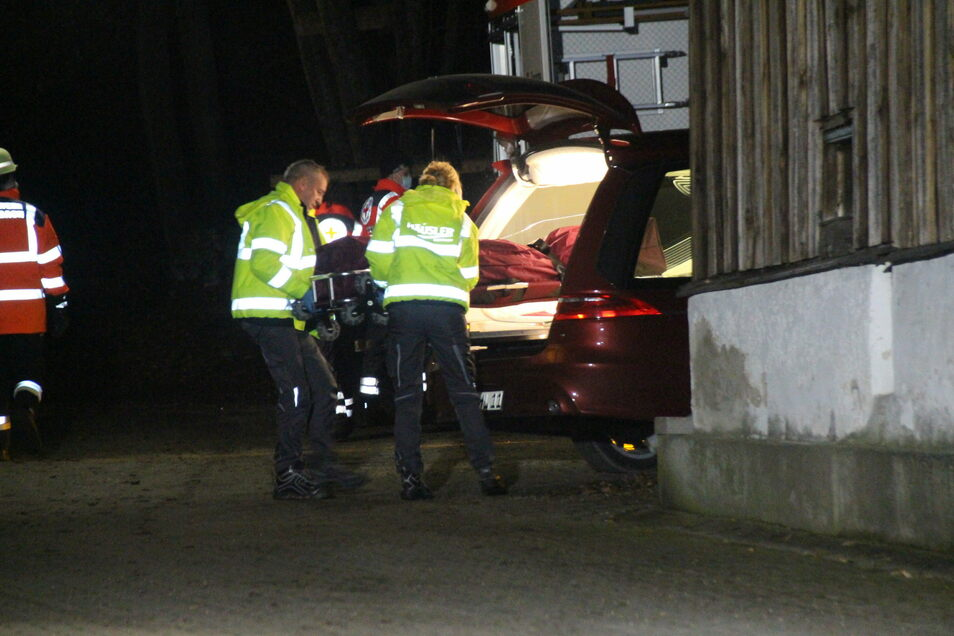 Ein 57 Jahre alter Höhlenforscher ist bei einem Tauchgang in einer Höhle bei Dietfurt in Bayern gestorben.