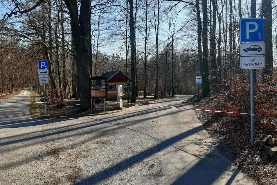 Die beiden Parkplätze an der Buchenparkhalle in Hinterhermsdorf sind dicht.