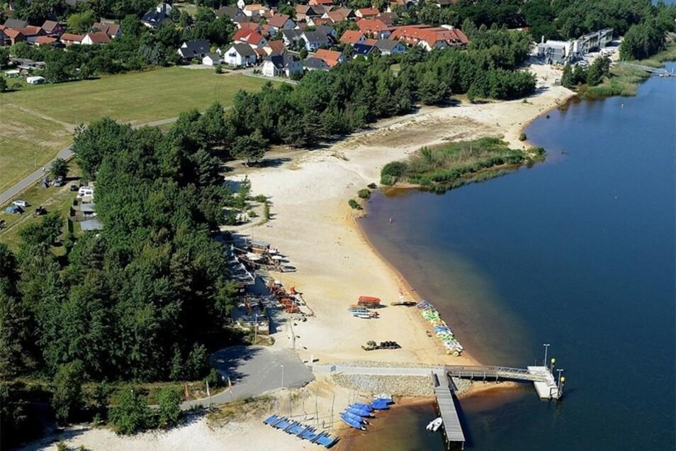 So sieht der Schiffsanleger am Geierswalder See aus, von dem im rechten Winkel eine Traverse abgeht, an der die kleinen Segelboote künftig anlegen sollen.
