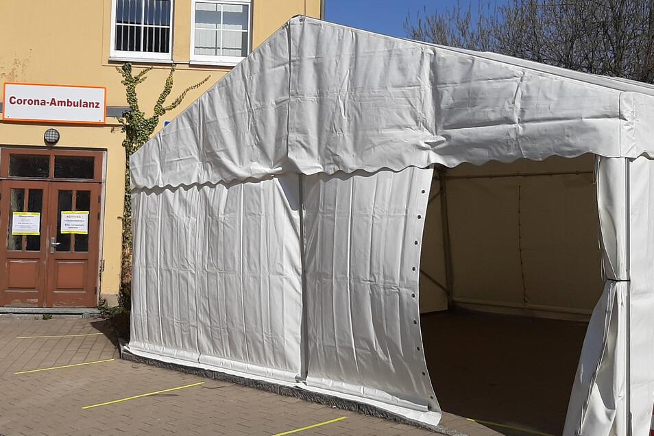 Das Krankenhaus Mittweida hatte am 26. März eine Corona-Testambulanz geöffnet. Seit Anfang April waren in der Ambulanz etwa 160 Tests durchgeführt worden. Das es kaum neue Nachweise des Coronavirus gibt, soll sie am 8. Juni geschlossen werden.