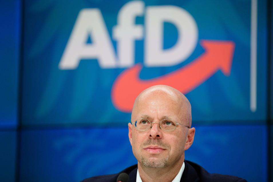 Andreas Kalbitz ist nicht mehr in der AfD. Doch er wehrt sich gegen die Trennung. Am Samstag traf er sich mit sächsischen Parteimitgliedern.