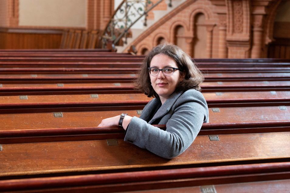 Luise-Catharina Quenstedt ist neue Pfarrerin in Riesa - sie ist im Pfarrhaus gleich neben der Trinitatiskirche (Foto) eingezogen.
