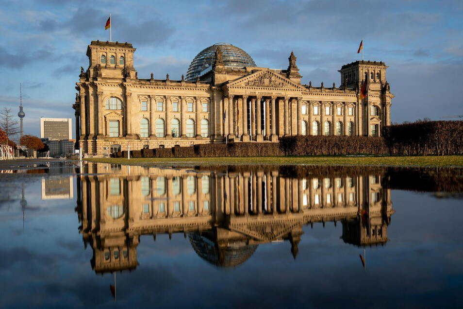 Blick auf das Reichstagsgebäude in Berlin.