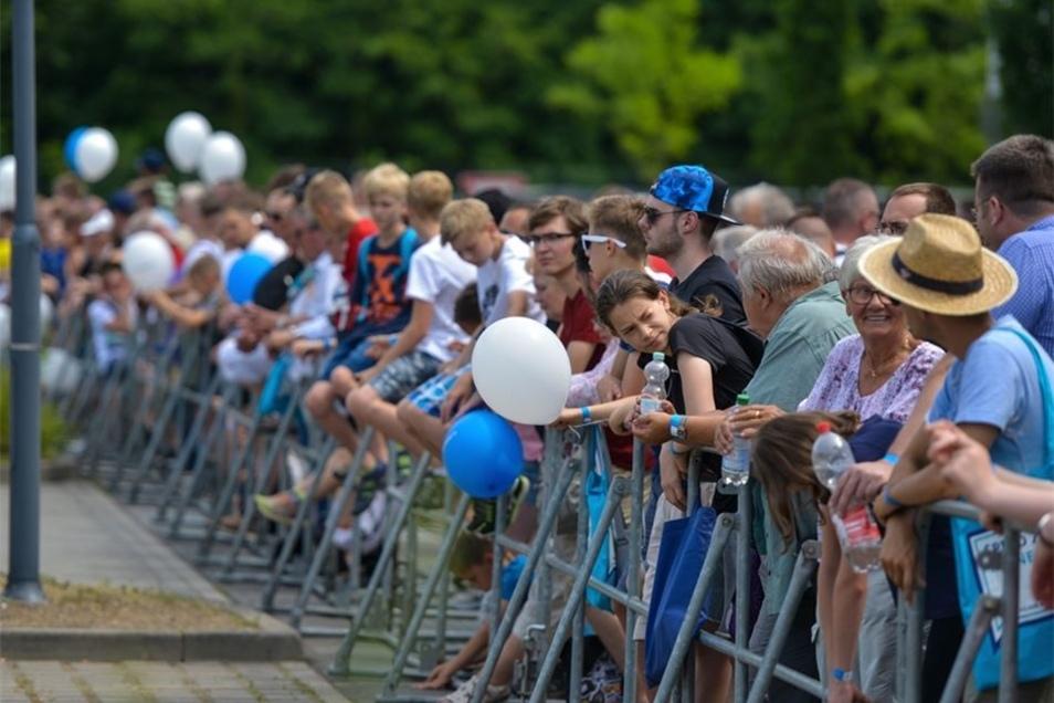 Andrang: Zur KSK-Präsentation war es ziemlich voll. Am Wochenende strömten 11500 Besucher zur Bundeswehr.