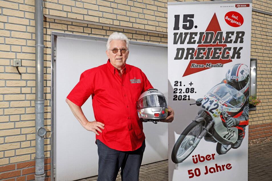 Hans-Jürgen Macioschek ist Haupt-Organisator des Riesaer Oldtimer-Motorrad-Rennens. Rund 80 Helfer wirken dabei mit.