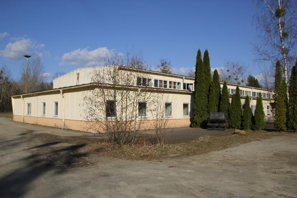 Die Bauweise der Laubuscher Sporthalle ist einzigartig. Errichtet wurde sie vor mehr als vier Jahrzehnten. Die Einweihung erfolgte 1978.