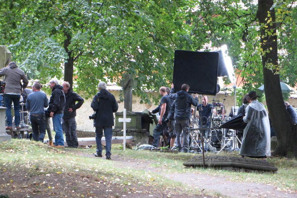 """Filmdreh zu """"Frantz"""" auf dem Nikolaifriedhof in Görlitz."""
