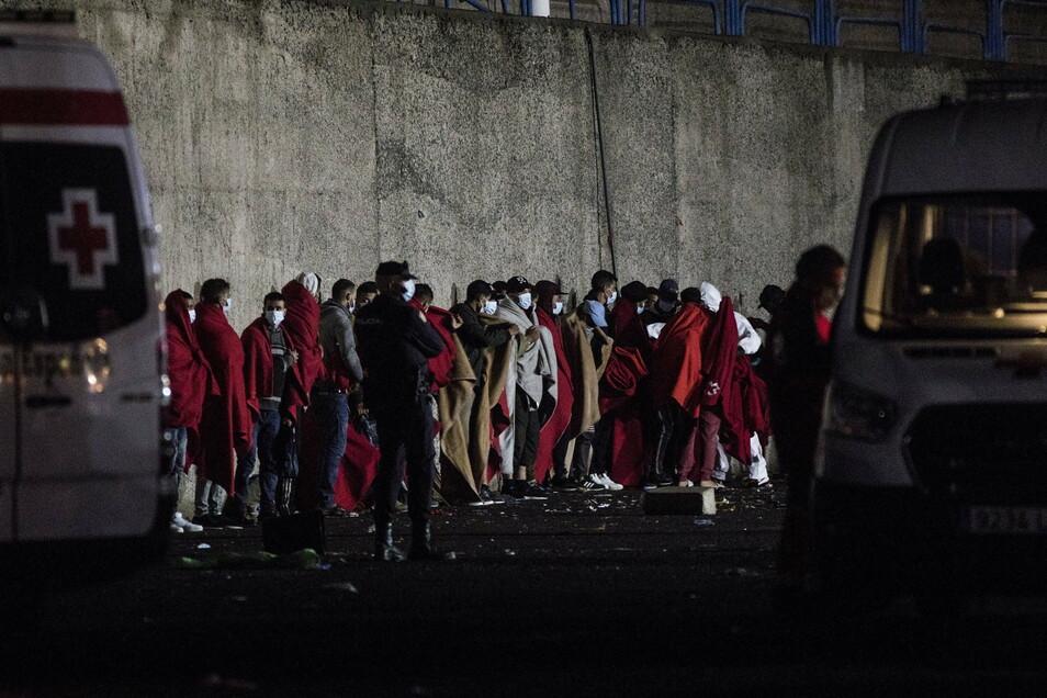 Und auch am Dienstag kamen wieder neue Bootsmigranten an.