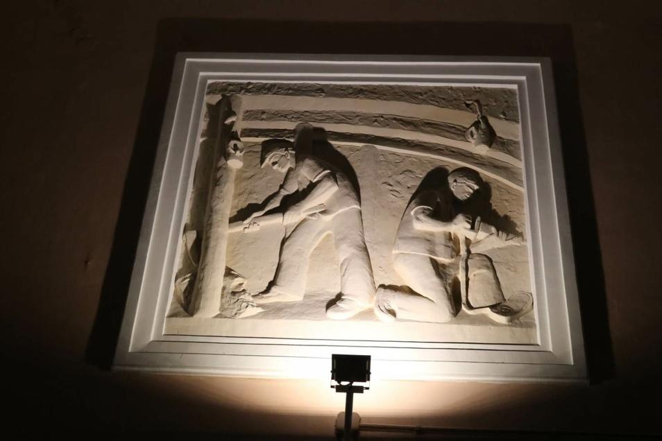 Im Kulturhaus erinnern Kunstwerke an die Bergbauzeit.