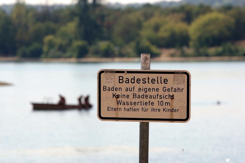 Baden ist derzeit nicht ungefährlich. Die Wassertemperaturen sind noch sehr niedrig.