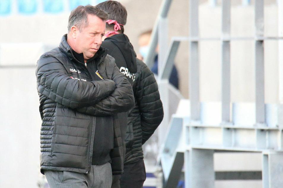 Dynamos Trainer Markus Kauczinski ist nach der Niederlage in Saarbrücken enttäuscht von seiner Mannschaft - und er sagt auch, warum das so ist.