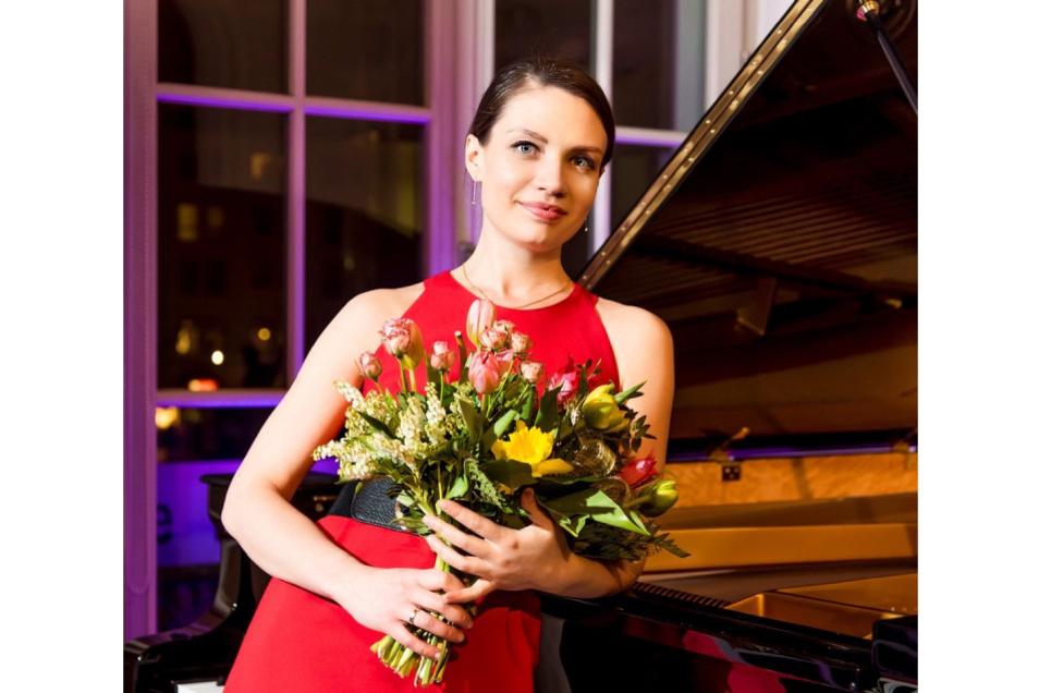 Die russische Pianistin Maria Burnaeva eröffnet die erste Klaviernacht des diesjährigen Palais Sommers.