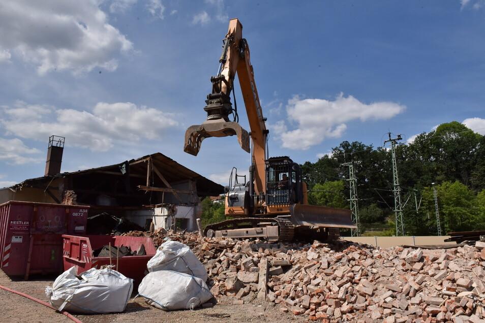 Im August 2020 wird der alte Güterboden abgerissen, um Platz für das Parkhaus zu machen.
