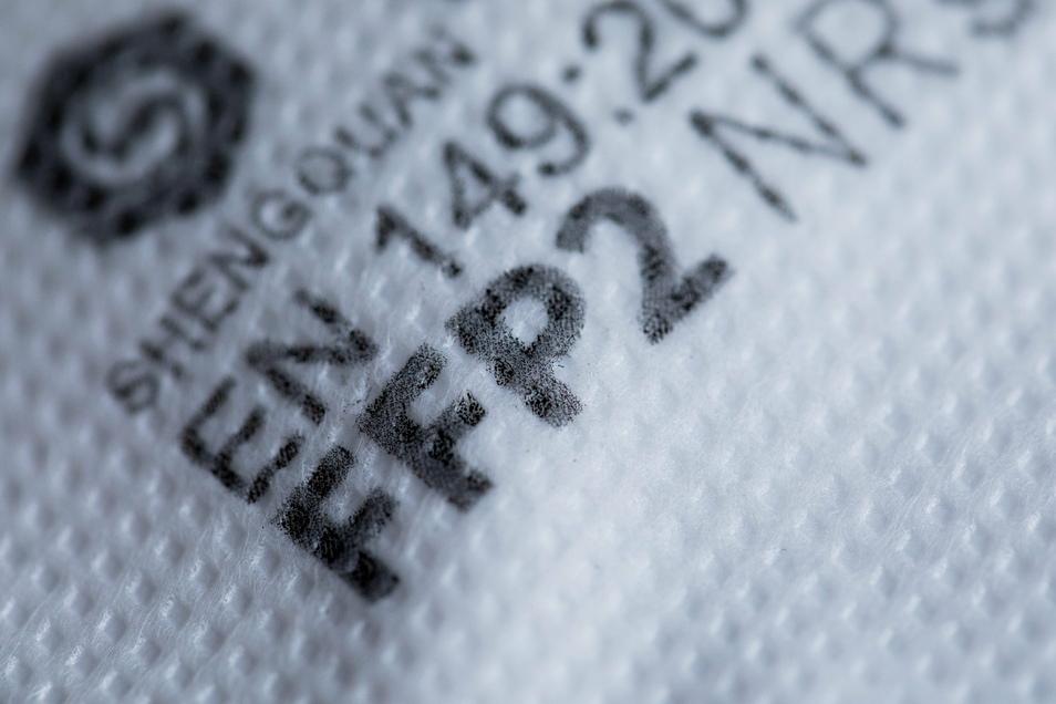 Im Handel unverzichtbar, draußen aber eher nicht nötig: FFP2-Masken