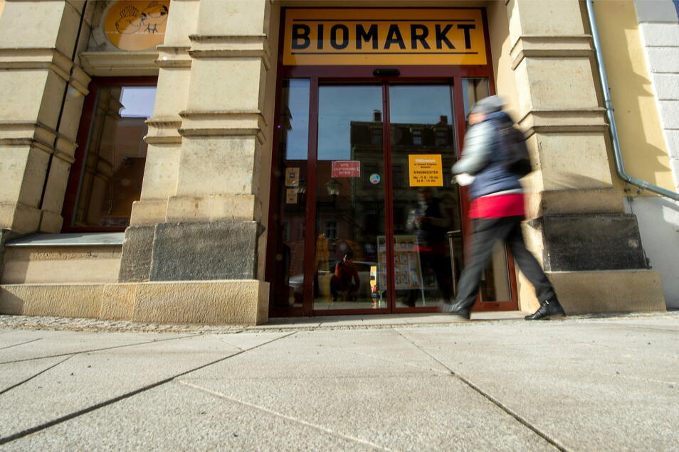 Der Biomarkt von Vorwerk Podemus in der Breiten Straße in Pirna profitiert von der Corona-Krise. Andere Bioläden ebenso.
