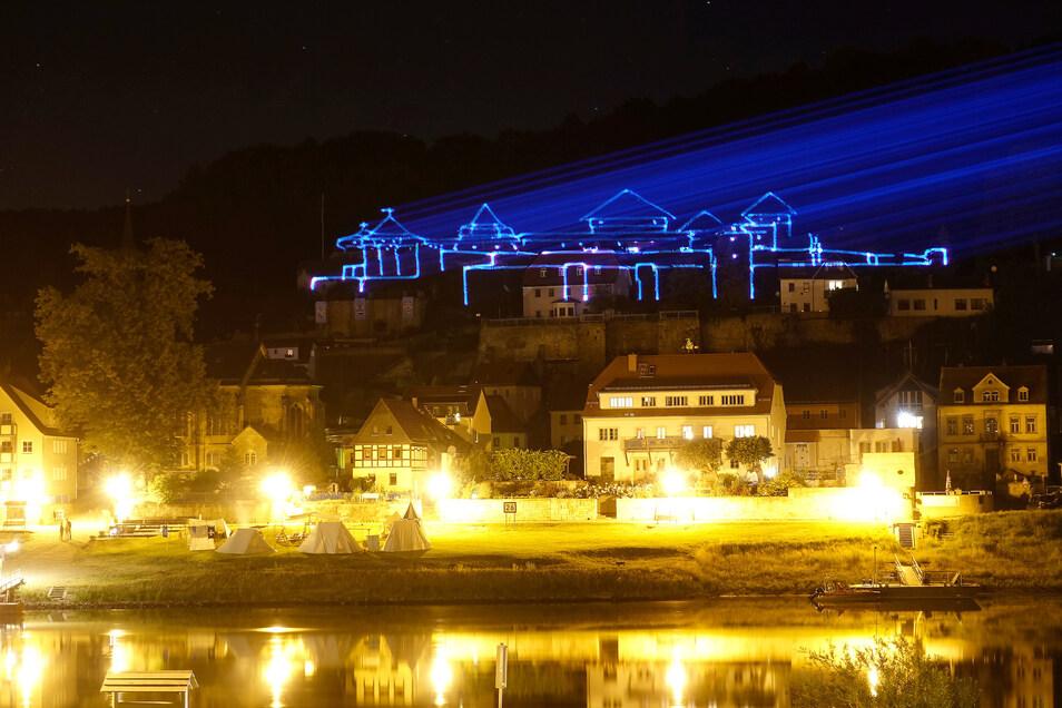Die aufwendige Lasershow am Freitag konnte erst 22:30 Uhr  starten, da es vorher zu hell war.