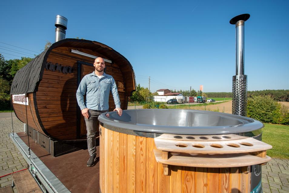 Wellness Express heißt die neue mobile Sauna der Betreiber Matthias Held (im Foto) und Tobias Gutsche.