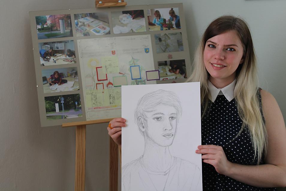 Roxana Aust freute sich sehr, als sie beim Stöbern von Schülerzeichnungen im Schrank des Mal- und Zeichenzirkels im Laubuscher Kulturhaus ihre persönliche Bleistiftarbeit vom vorletzten Zirkel-Besuch im Jahr 2019 entdeckte.