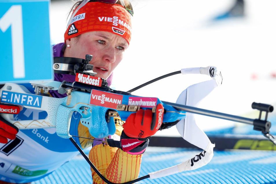 Auf Schießstand eins absolvierte Denise Herrmann den Liegendanschlag, am Ende wurde sie Vierte im WM-Sprint.