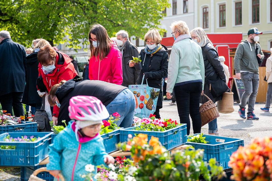 Auch Blumen erfreuten sich großer Nachfrage.