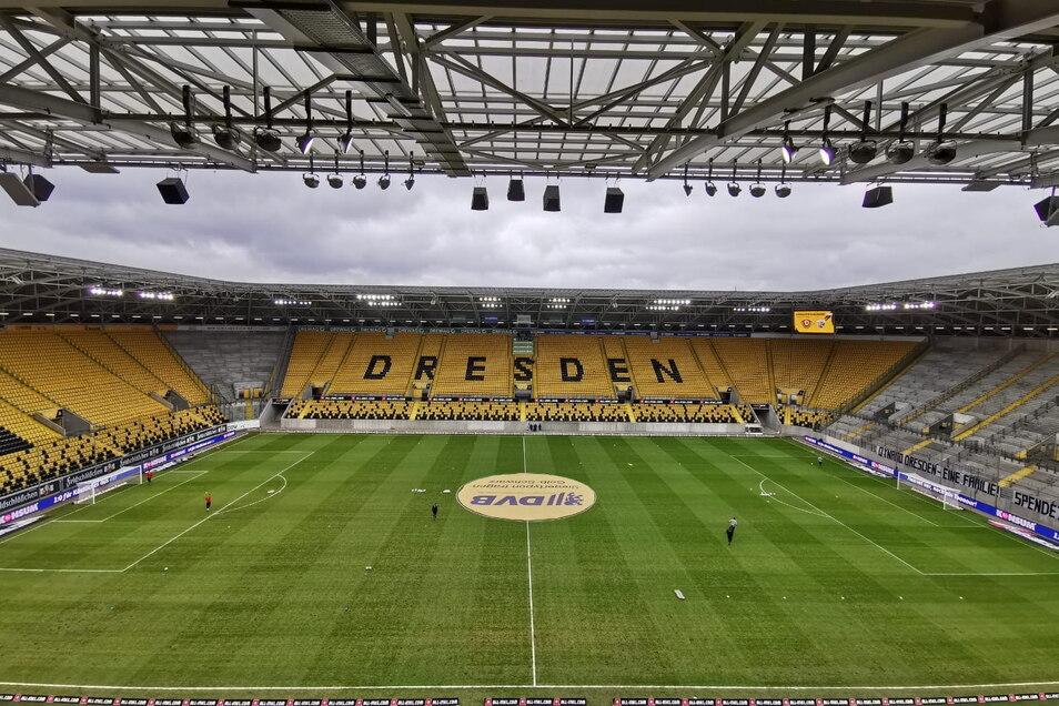 Dynamo gegen Ingolstadt, Erster gegen Zweiter - um 14 Uhr geht es im Rudolf-Harbig-Stadion in Dresden los.