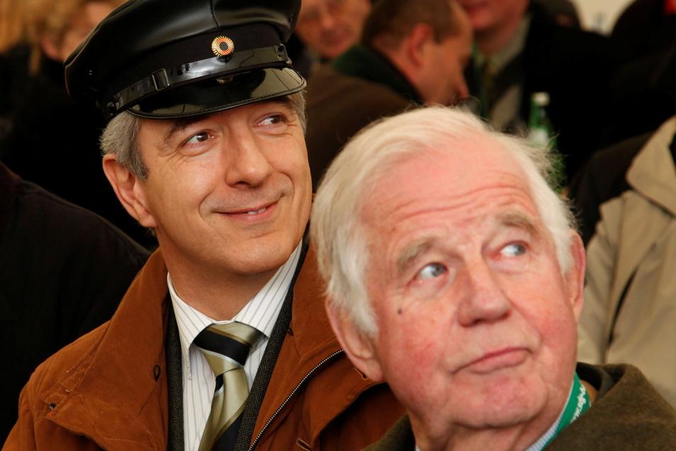 2008: Mit dem damaligen Ministerpräsidenten Stanislaw Tillich bei der Wiederinbetriebnahme der Weisseritztalbahn.