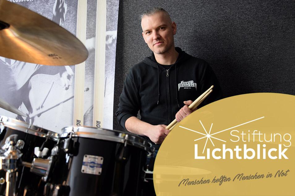 """Ronny Garz eröffnete seine Schlagzeugschule """"Drum Coaching Dresden"""" und musste sie sofort wieder schließen. Die Eröffnungsfeier fiel mit dem Lockdown zusammen und somit ins Wasser."""