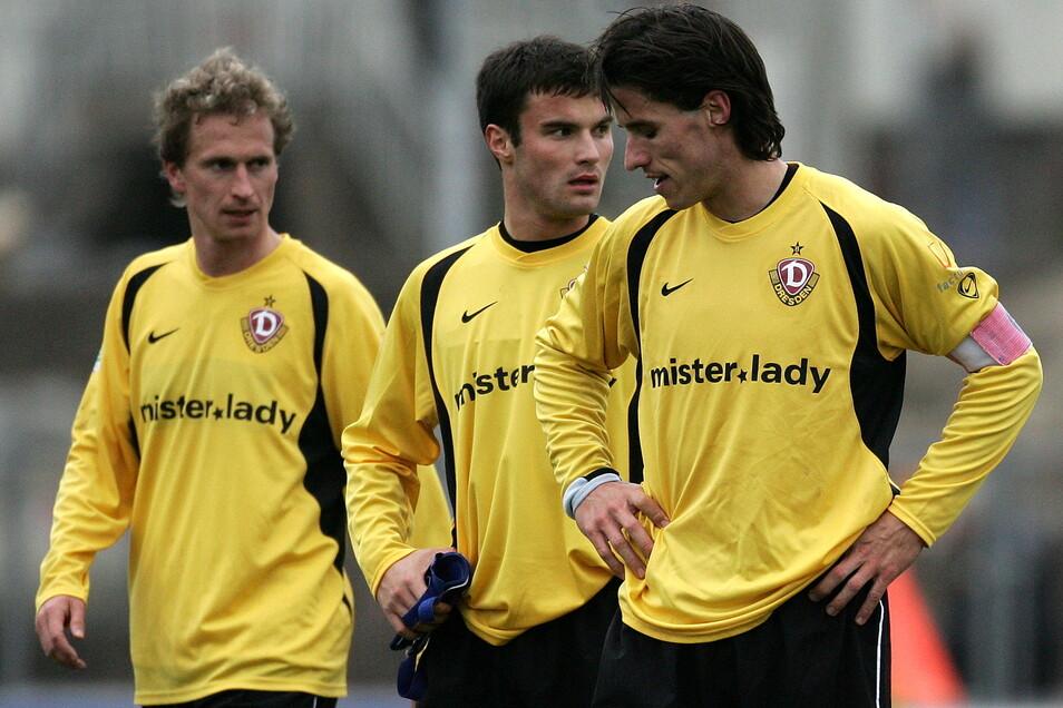 Martin Stocklasa (r.) war während seiner Zeit bei Dynamo Dresden von 2006 bis 2008 zwischenzeitlich sogar Kapitän - allerdings auch oft enttäuscht. Genau wie hier Ronald Wolf (M.) und Patrick Wuerll.