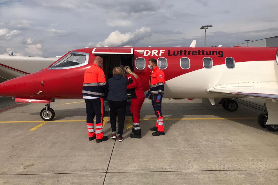 Der Rücktransport der Patientin nach Frankreich erfolgte mit einem Kleinflugzeug.