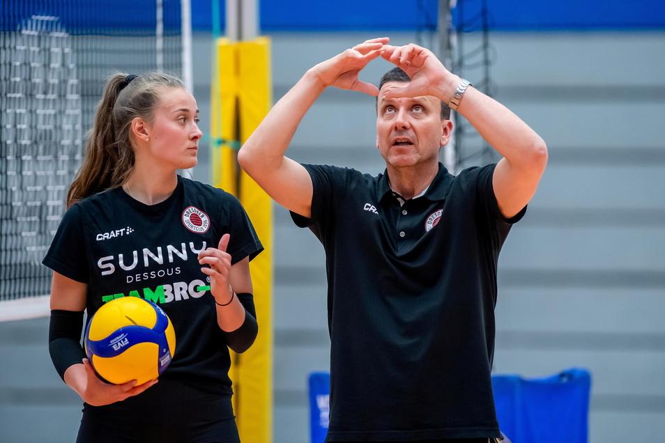 Die beiden haben einen Plan: Alexander Waibl will Sarah Straube zur besten deutschen Zuspielerin entwickeln.