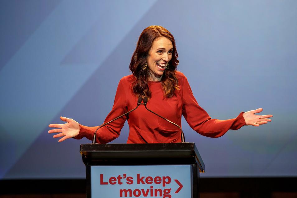 Jacinda Ardern hat die Parlamentswahl in Neuseeland klar gewonnen.