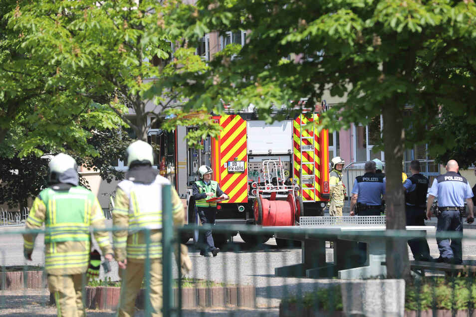 Die Dresdner Feuerwehr musste einen Brand in einer Oberschule der Stadt löschen.
