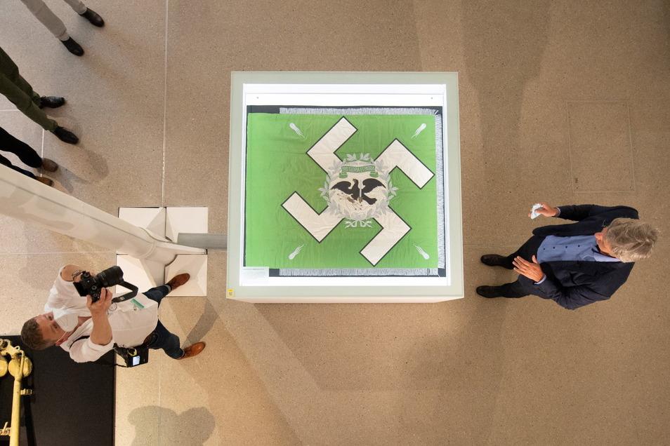 Aktuell gibt es im MHM die Ausstellung ·Hitlers Elitetruppe? Mythos Fallschirmjäger.