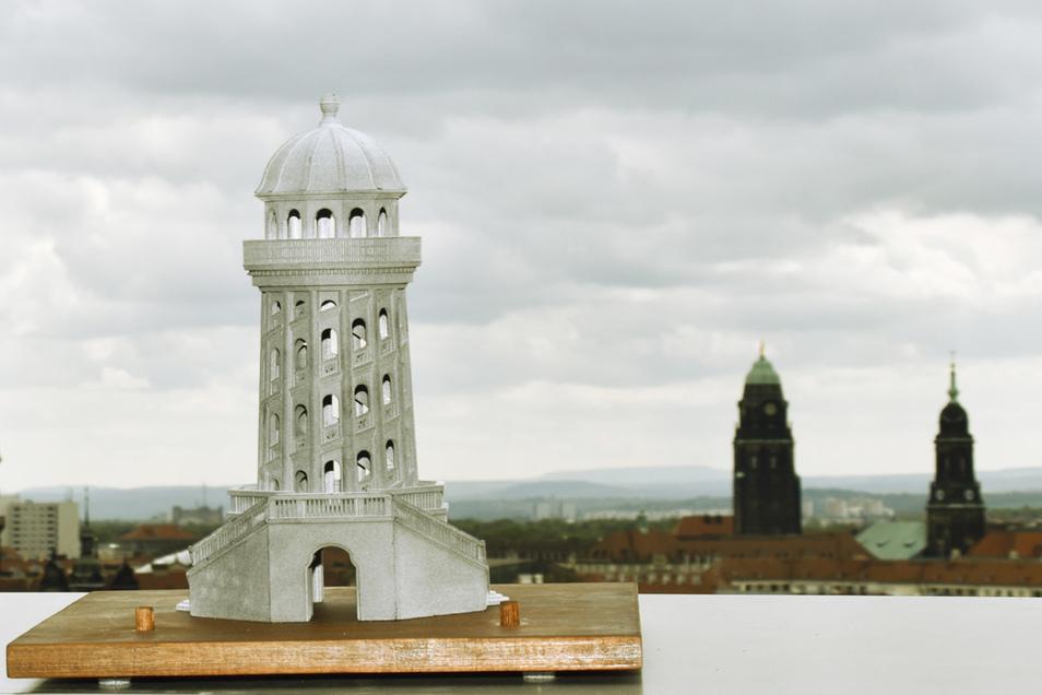 Si sieht das Modell des Turmes aus.