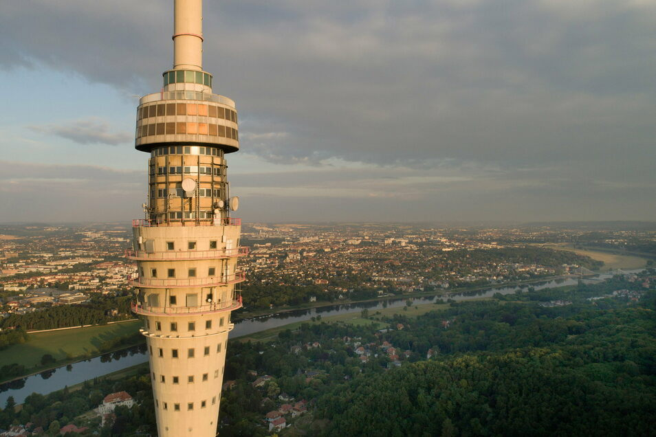 Gern würden viele Dresdner diese Aussicht vom Fernsehturm wieder genießen.